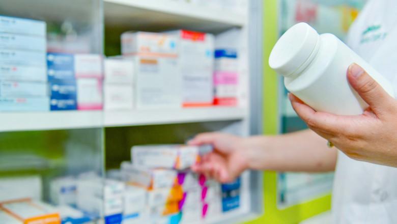 farmacie medicamente shutterstock_749012101