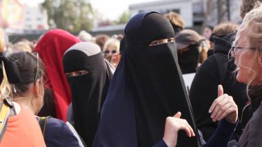 burqa, niqab, burka