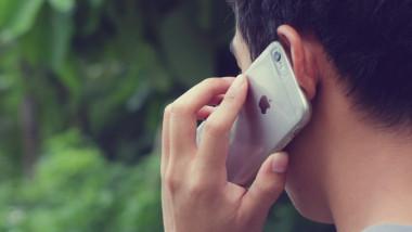 iphone vorbeste shutterstock
