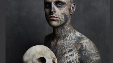 model tatuat