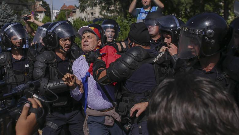 forta jandarmi 20180810_protest bucuresti 10 august_INQUAM_Photos_Octav_Ganea_21