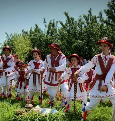 Calusarii-din-Osica.jpg