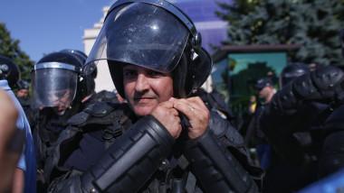 gaze lacrimogene protest piata victoriei 10 august_inquam ganea (1)