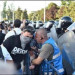 foto protest dialog cu jandarm -mindruta fb