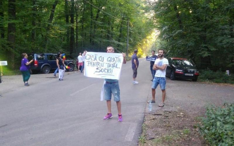 protestatari-palatul-snagov-nunta-stefan-valentin-dragnea-640x400