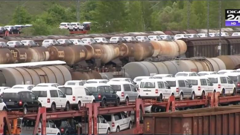 trenuri cu masini