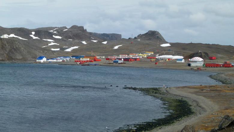 Villa-Las-Estrellas-Antarctica