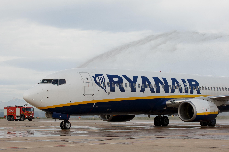 Decolare ratata pe Aeroportul Otopeni. Un avion Ryanair a franat brusc inainte sa se desprinda de sol