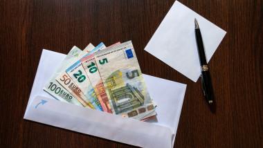 mita euro plic shutterstock_514927681