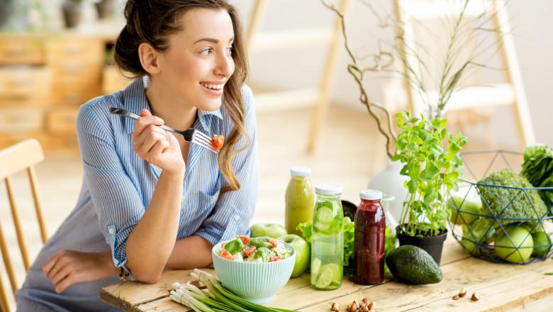 salata mancare sanatoasa shutterstock_622381814