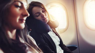 zbor avion somn
