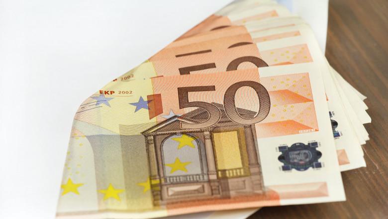 plic cu euro shutterstock_110769713