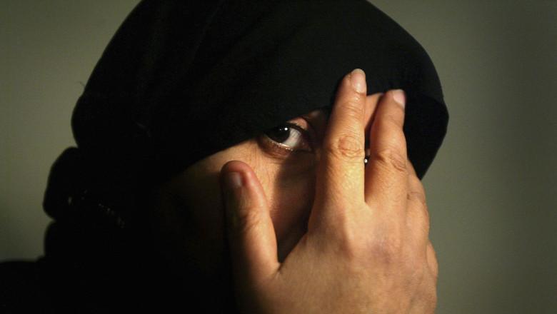 Iraqi Women Under Pressure To Wear The Hijab Headscarf