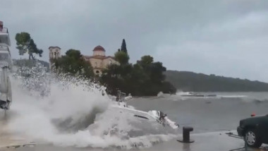 furtuna grecia valuri