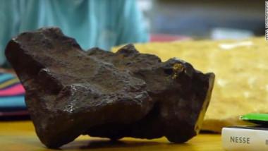 181004214015-doorstop-meteorite-exlarge-169