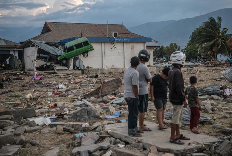 Deadly Earthquake and Tsunami Hits Indonesia's Island of Sulawesi