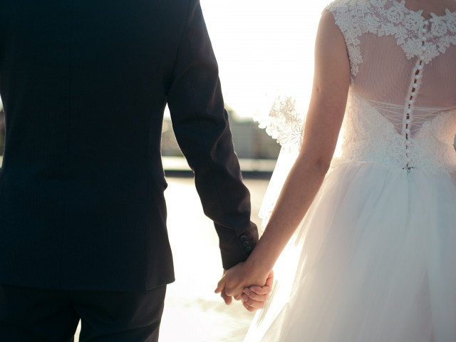 Se poate sa ti pastrezi numele dupa casatorie