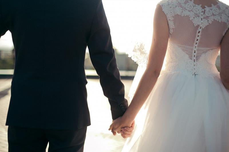 Dating femeile ruse intre casatorie)