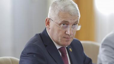 Adrian Țutuianu liderul PSD Dâmboviţa contre cu Lia Olguţa Vasilescu şi Claudiu Manda