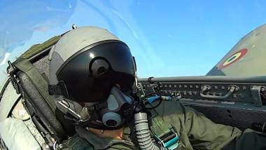 Prima femeie pilot militar din istoria aviației care ajunge instructor pe un avion cu reacție