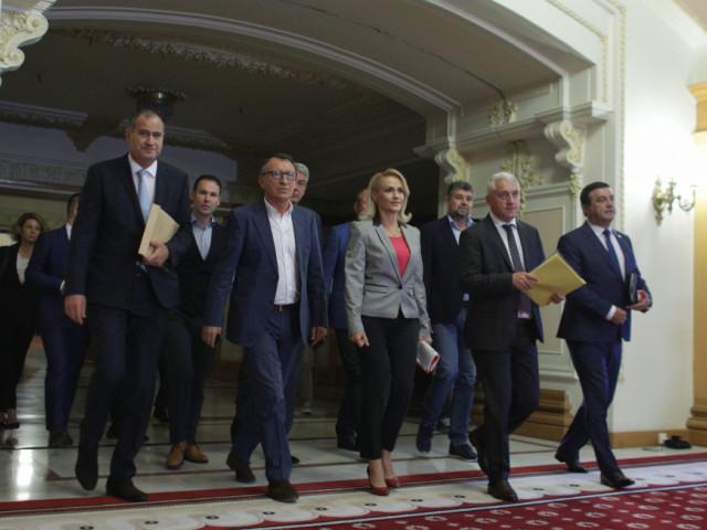 Ţuţuianu amenință voalat cu pierderea majorității parlamentare în cazul excluderii: E importantă majoritatea