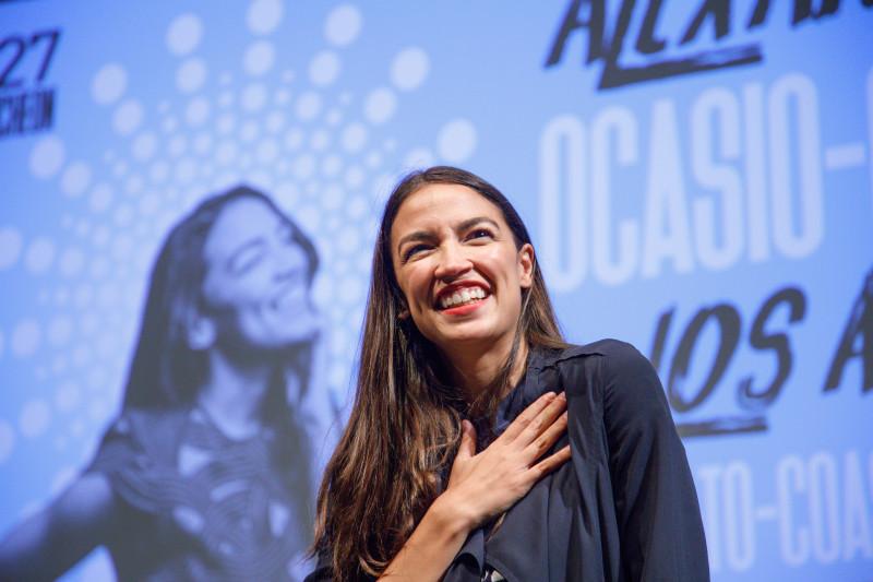 Alexandria Ocasio-Cortez, cea mai tânără femeie aleasă în Congresul american