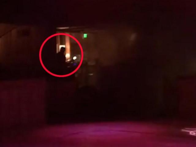 VIDEO. Momentul în care atacatorul din SUA a deschis focul în club