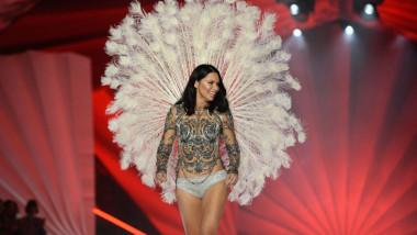 Adriana Lima la ultimul show al sau pentru Victoria's Secret