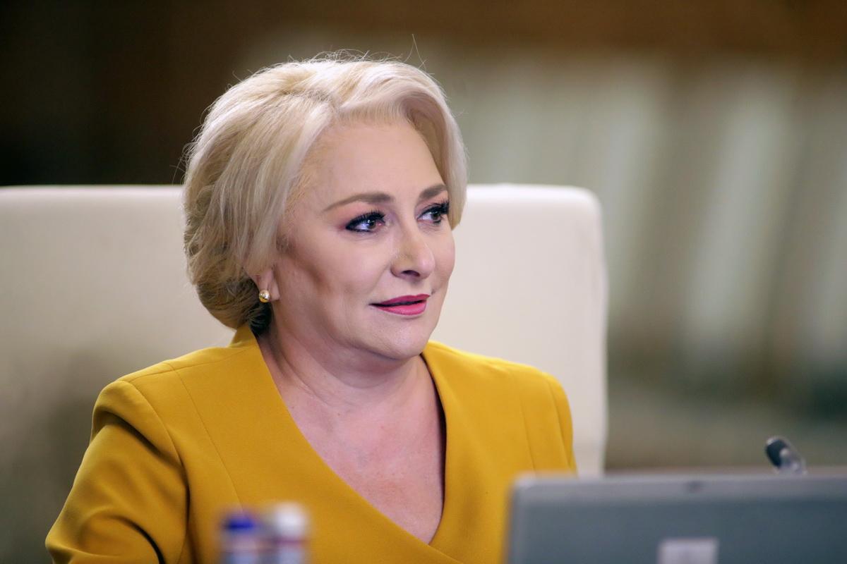 """Dancila, iar probleme grave cu limba romana: """"Predilectiile opozitiei"""""""