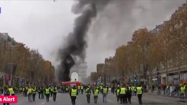 paris proteste champs elysee