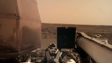 fotografie camera superioara sonda insight_nasa