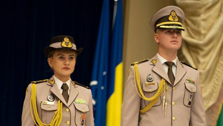 uniforma 2
