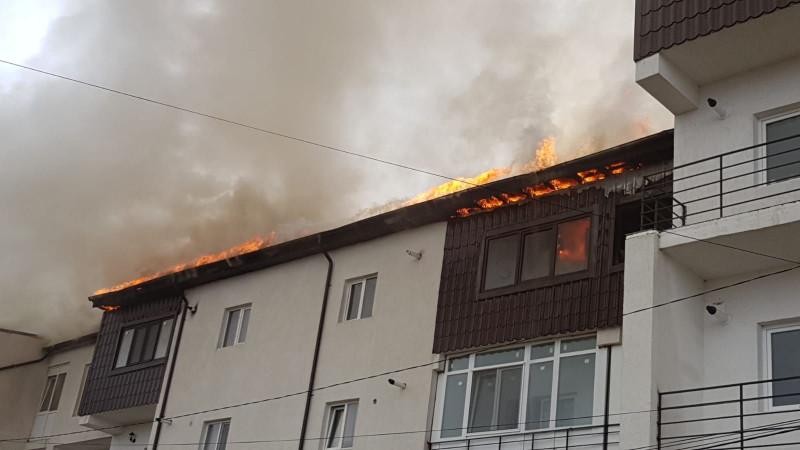 Incendiu Bucuresti rosu 231118