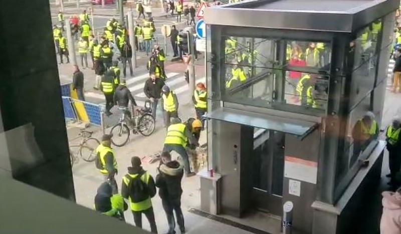 protest-veste-galbene-bruxelles_alin bejenariu