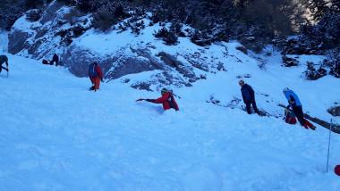 iarna-munte-avalansa-salvamont-busteni