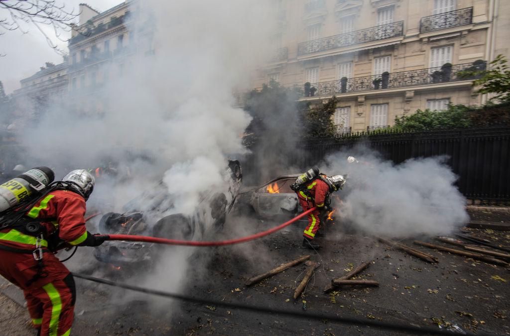 VIDEO. Centrul Parisului, devastat de proteste violente. Cum arata acum