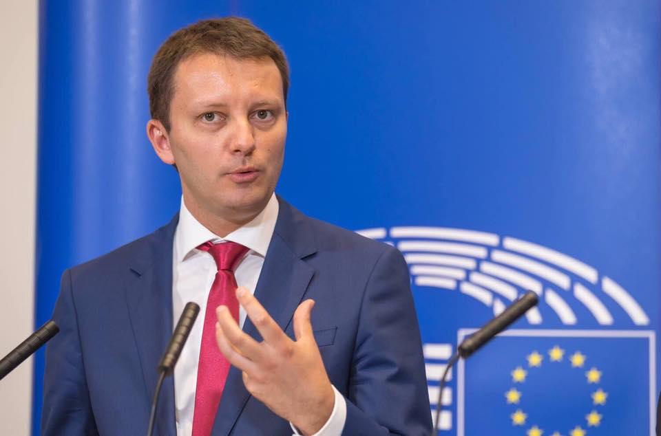 Siegfried Mureşan: Sediul Parlamentului European este inchis, dar in interior munca programata continua