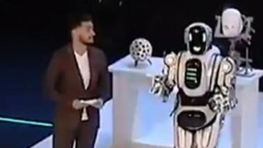 robot rusia