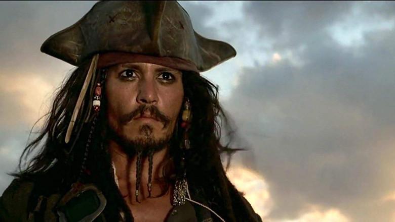 johnny-depp-piratii-din-caraibe