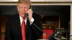 Donald trump The President And First Lady Assist NORAD With Santa Tracker Phone Calls