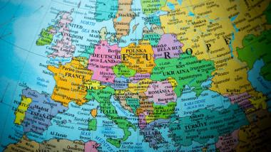 europa harta glob shutterstock_299409284