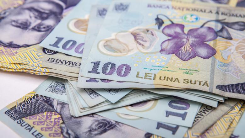 bancnote 100 de lei bani_shutterstock_431687935