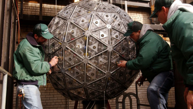 Final Lights Put Into New Years Ball