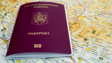 pasaport romanesc romania shutterstock_1021828147