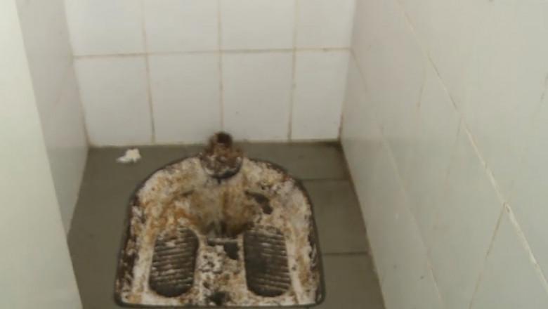 toaleta turceasca scoala