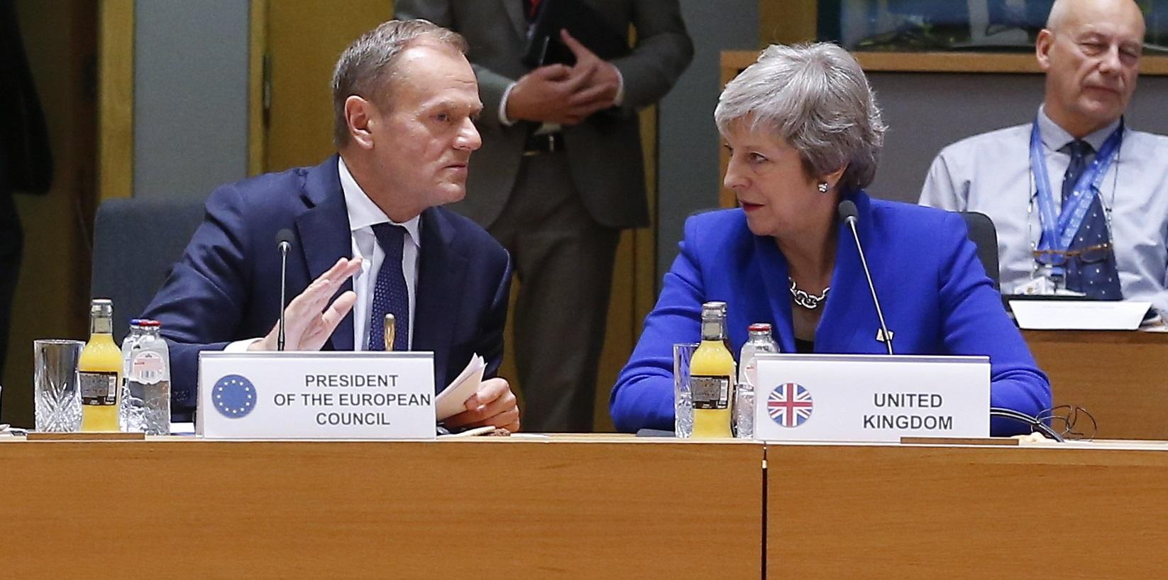 Theresa May ii va trimite lui Donald Tusk o scrisoare pentru amanarea Brexitului