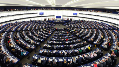 plen parlamentul european_shutterstock_554386300