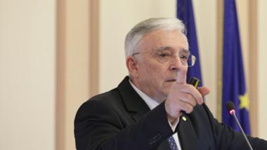 Mugur Isarescu, Guverntor BNR