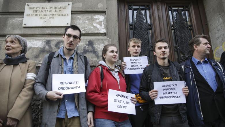 studenti litere protest