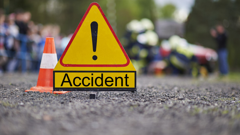 semn de accident_shutterstock_356091701